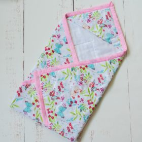 Buy BeeLittle Organic Cotton Wrap Beds - Pretty Butterflies online with Free Shipping at Baby Amore India, Babyamore.in