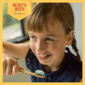Buy Burt's Bees Kids Fruit Fusion Toothpaste Fluoride Free, 4.2oz/119g online with Free Shipping at Baby Amore India, Babyamore.in